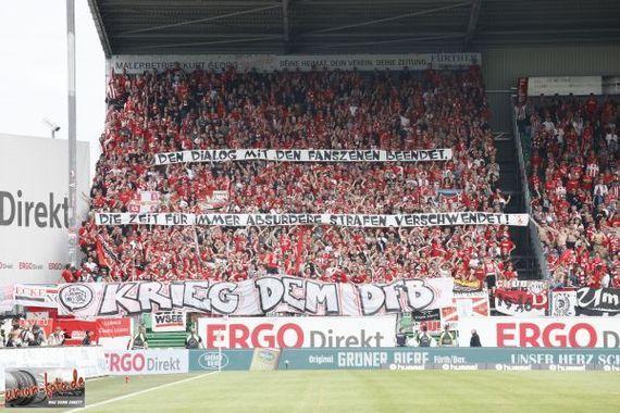 Zahlreiche Fanszenen erklären dem DFB den Krieg